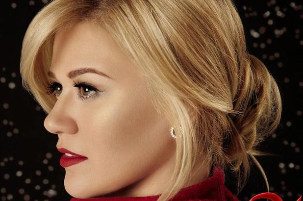 kelly-clarkson-wrapped-in-red-album-cover