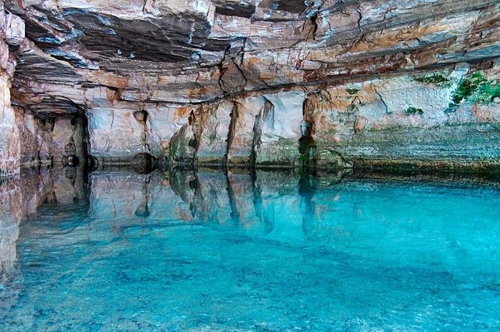 caverna-aroe-jari-e-lagoa-azul